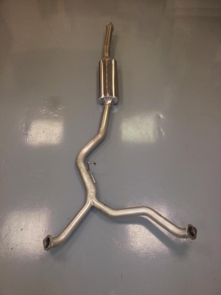 Subaru Legacy exhaust centre pipe Y Pipe with silencer