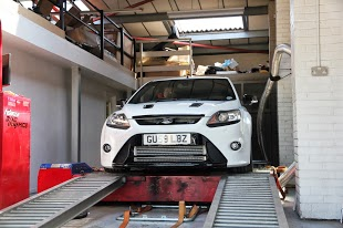 Ford Focus Car on Dyno Dynamics Rolling Road Pictures