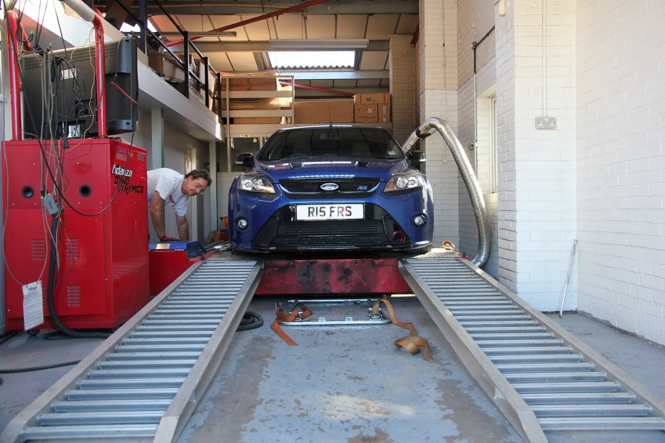 Car on Dyno Pictures -Ford Focus